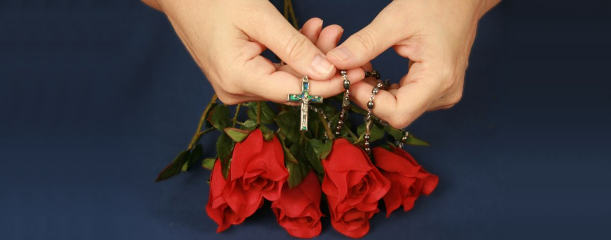 Marian Devotions praying the Rosary